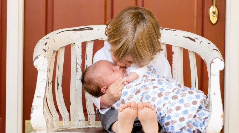 brothers-boys-kids-baby-50601-800x445